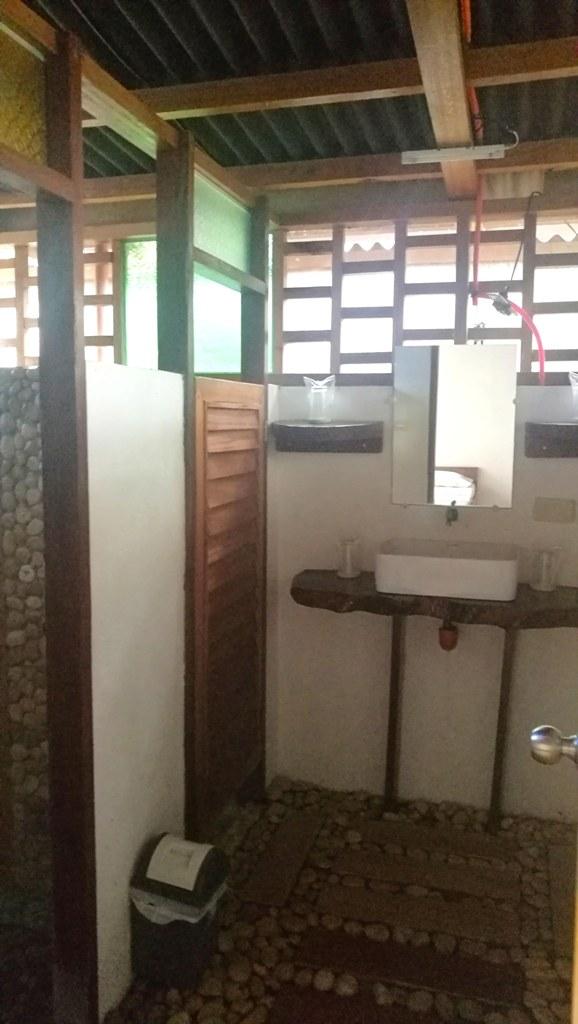 Villa 6 and 7 Bathroom